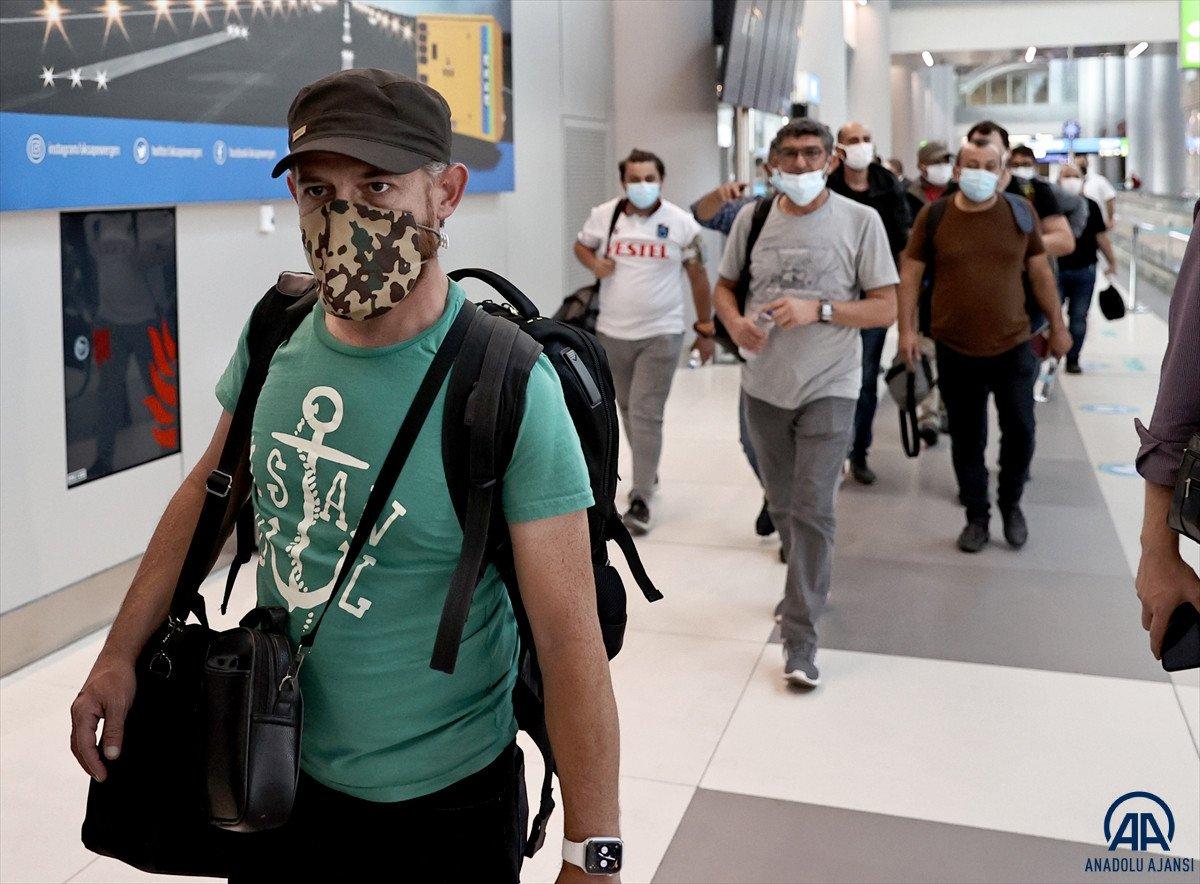Kabil den Türkleri getiren THY uçağı İstanbul a iniş yaptı #7