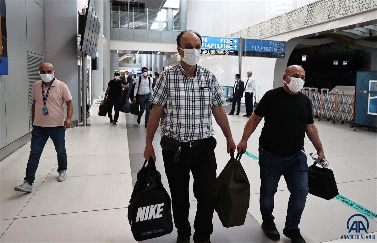 Kabil den Türkleri getiren THY uçağı İstanbul a iniş yaptı #4