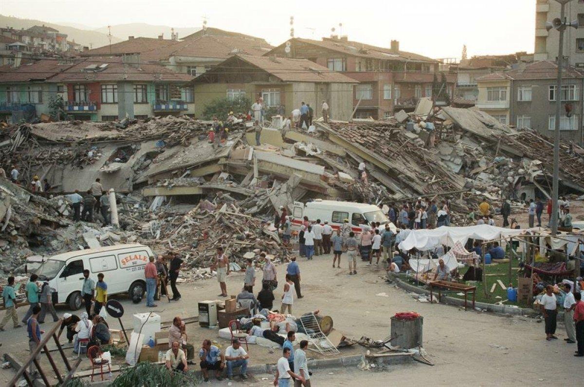 Gölcük Depremi nin 22 nci yıl dönümü #1