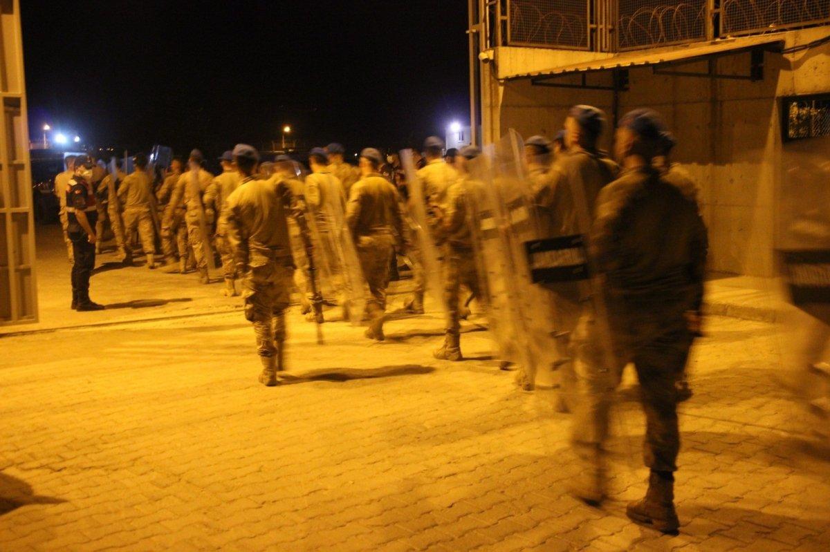 Aydın Göç İdaresi'nde mülteciler arasında kavga çıktı #1