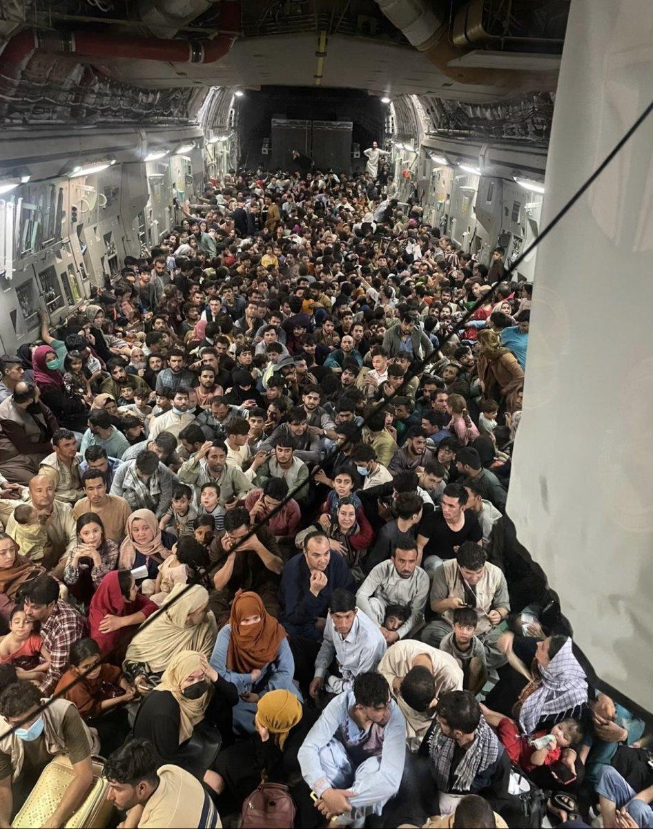 Afganlar, ABD uçağıyla tahliye edildi #2