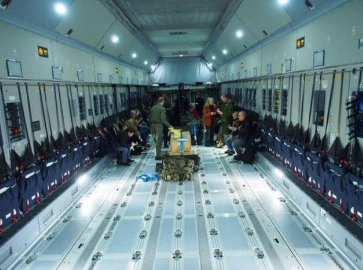 Afganlar, ABD uçağıyla tahliye edildi #1