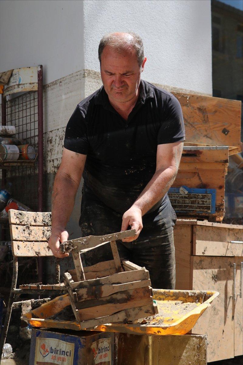 Bozkurt taki sel felaketinde 5 bin 500 arı kovanı hasar aldı #3