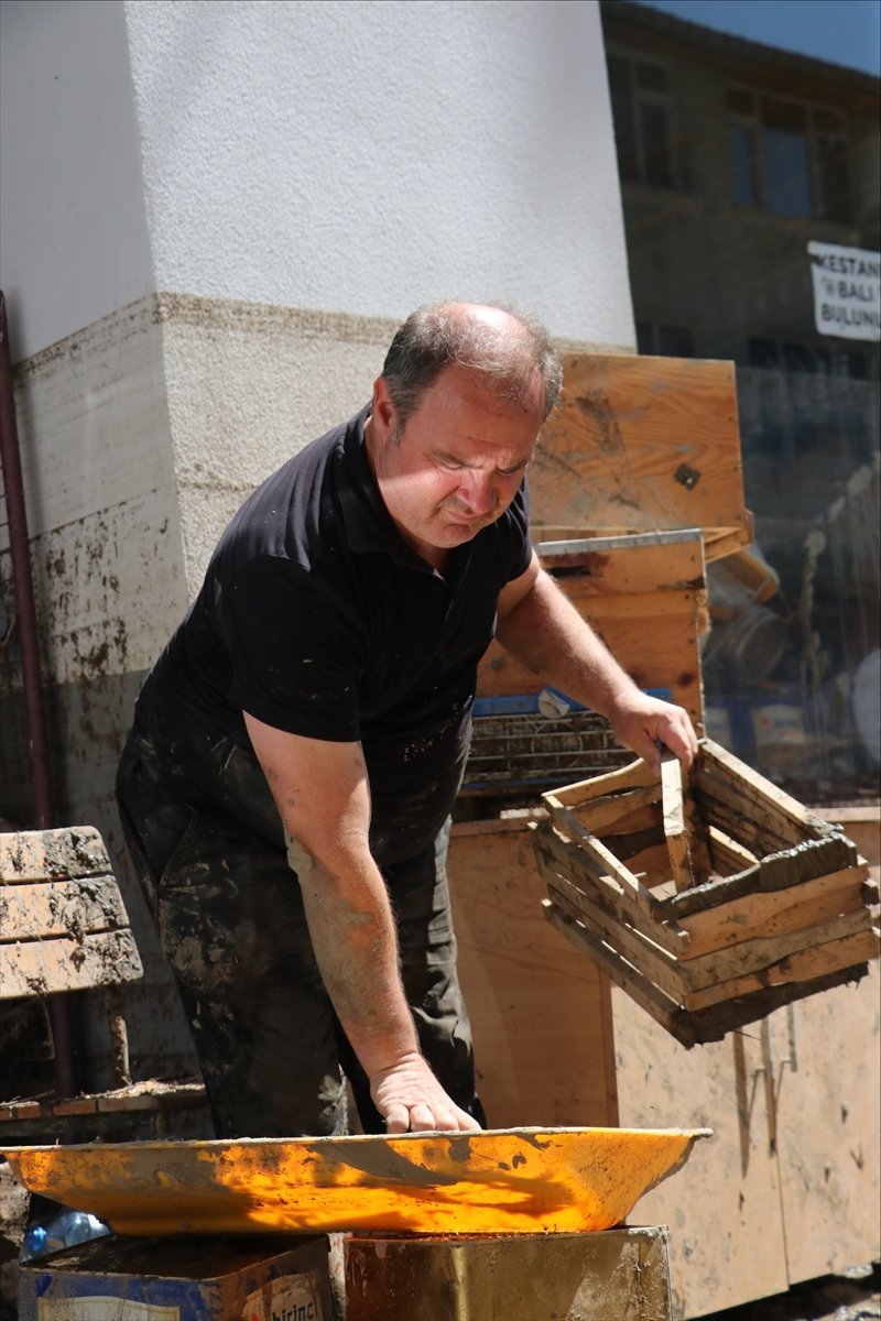 Bozkurt taki sel felaketinde 5 bin 500 arı kovanı hasar aldı #4