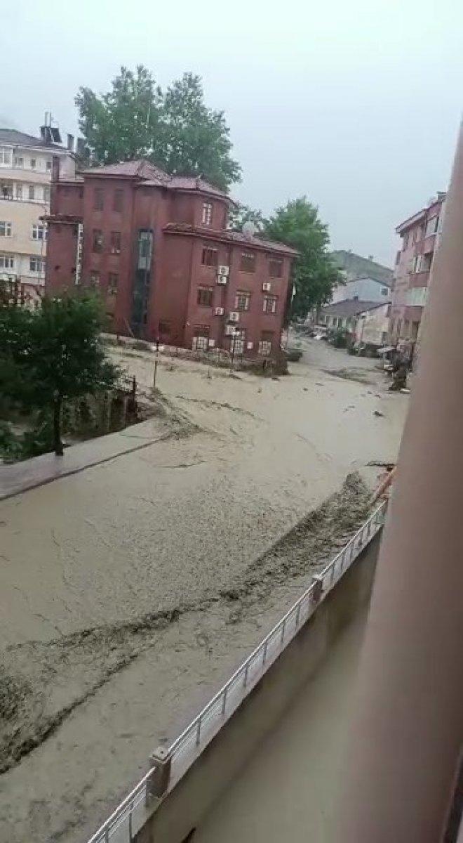 Kastamonu da sel sularına kapılan vatandaşa böyle seslendi  #2