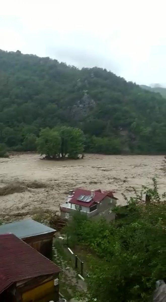 Kastamonu da sel sularına kapılan vatandaşa böyle seslendi  #3