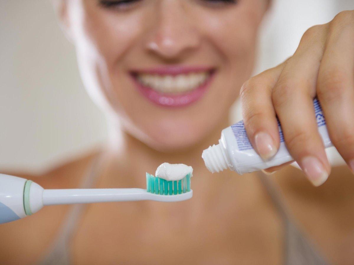 Diş taşlarını temizlemenin 6 doğal yolu #1