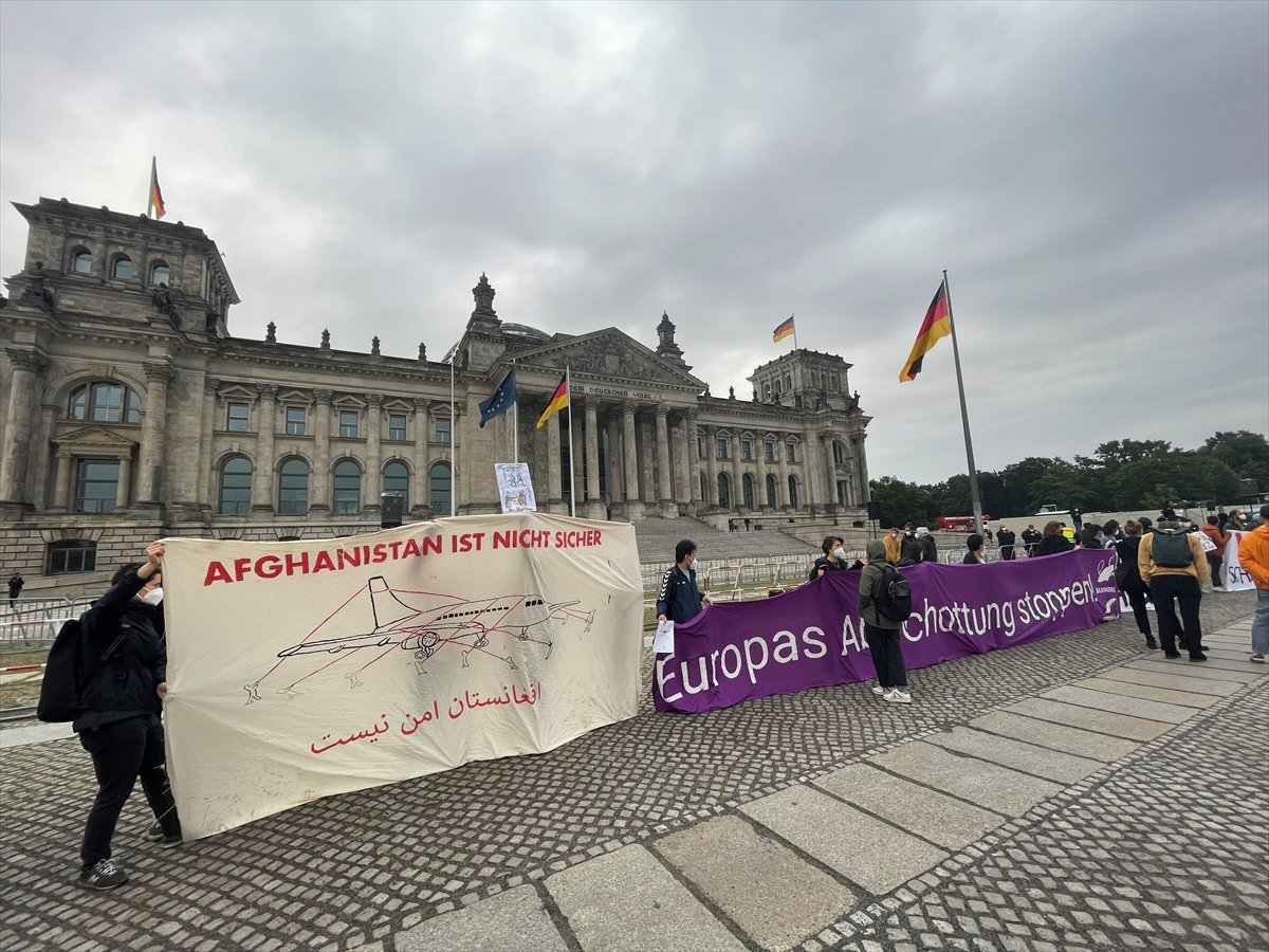 Almanya da, Afganistan gösterisi: Yerimiz var #1
