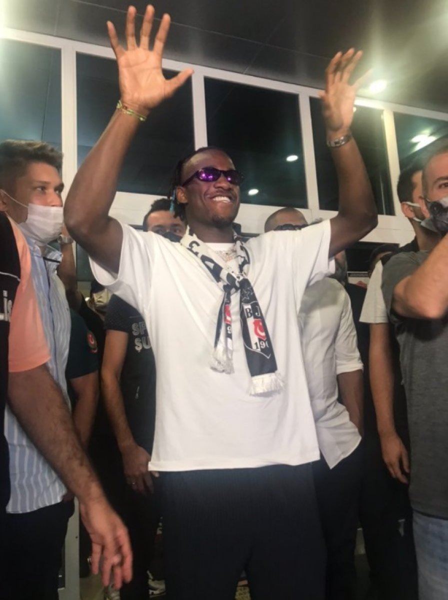 Beşiktaş la anlaşan Michy Batshuayi İstanbul da #2