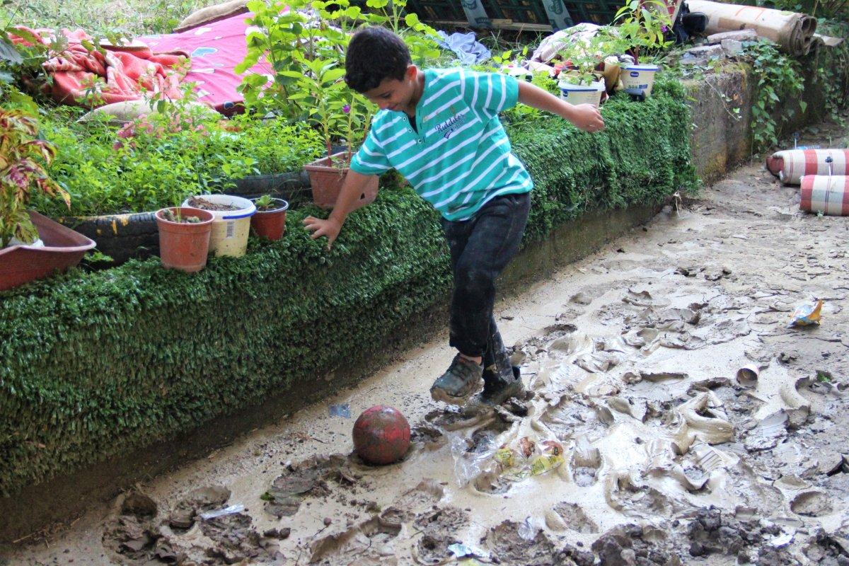 Bozkurt ta çocuklar, sel felaketinden habersiz oyun oynadı #3
