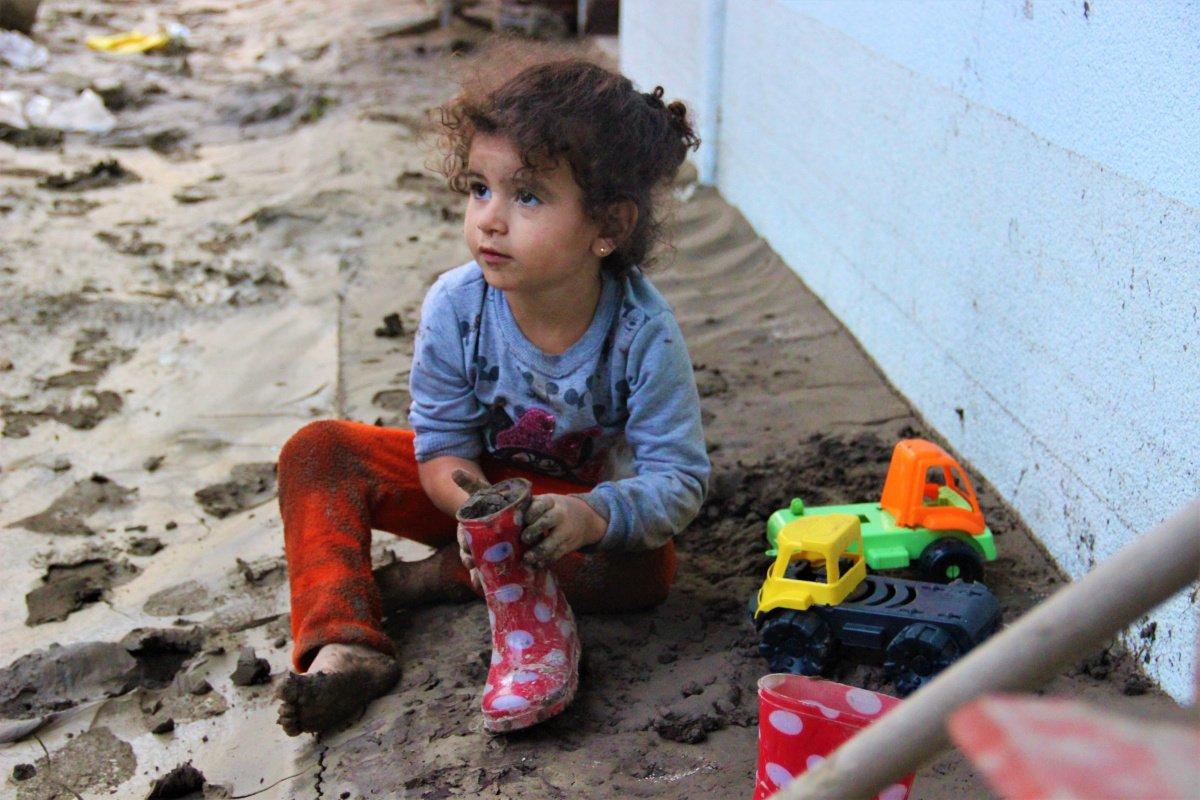 Bozkurt ta çocuklar, sel felaketinden habersiz oyun oynadı #1