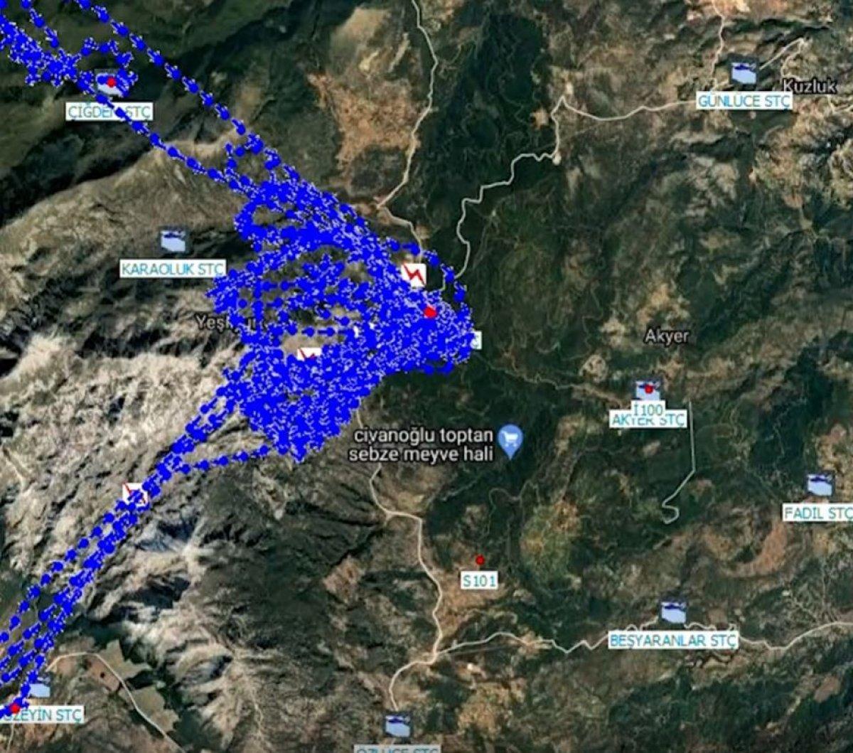 Yangın söndürme helikopterlerinin alevlere müdahalesini gösteren harita #2