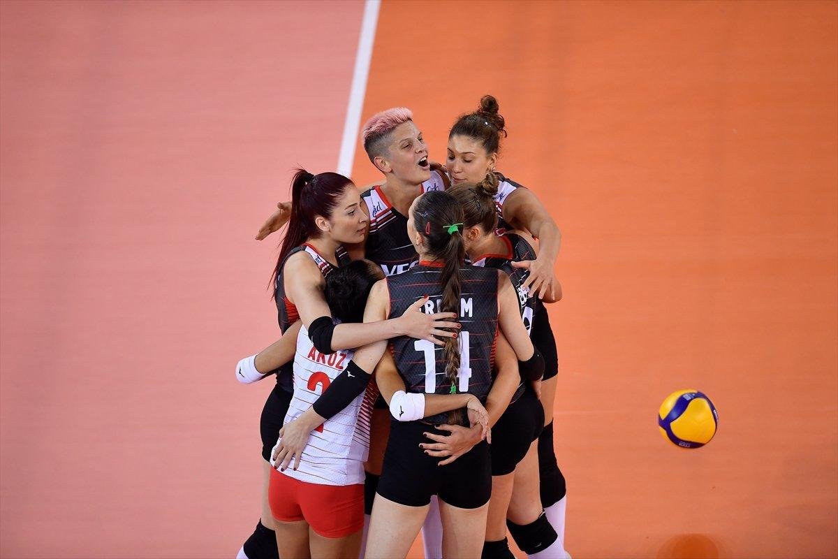 Türkiye Kadın Voleybol Milli Takımı, Avrupa Şampiyonası nda Romanya yı yendi #2