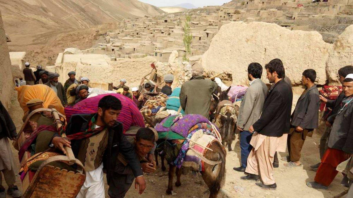 İngiltere 20 bin Afgan ı alacağını açıkladı #2
