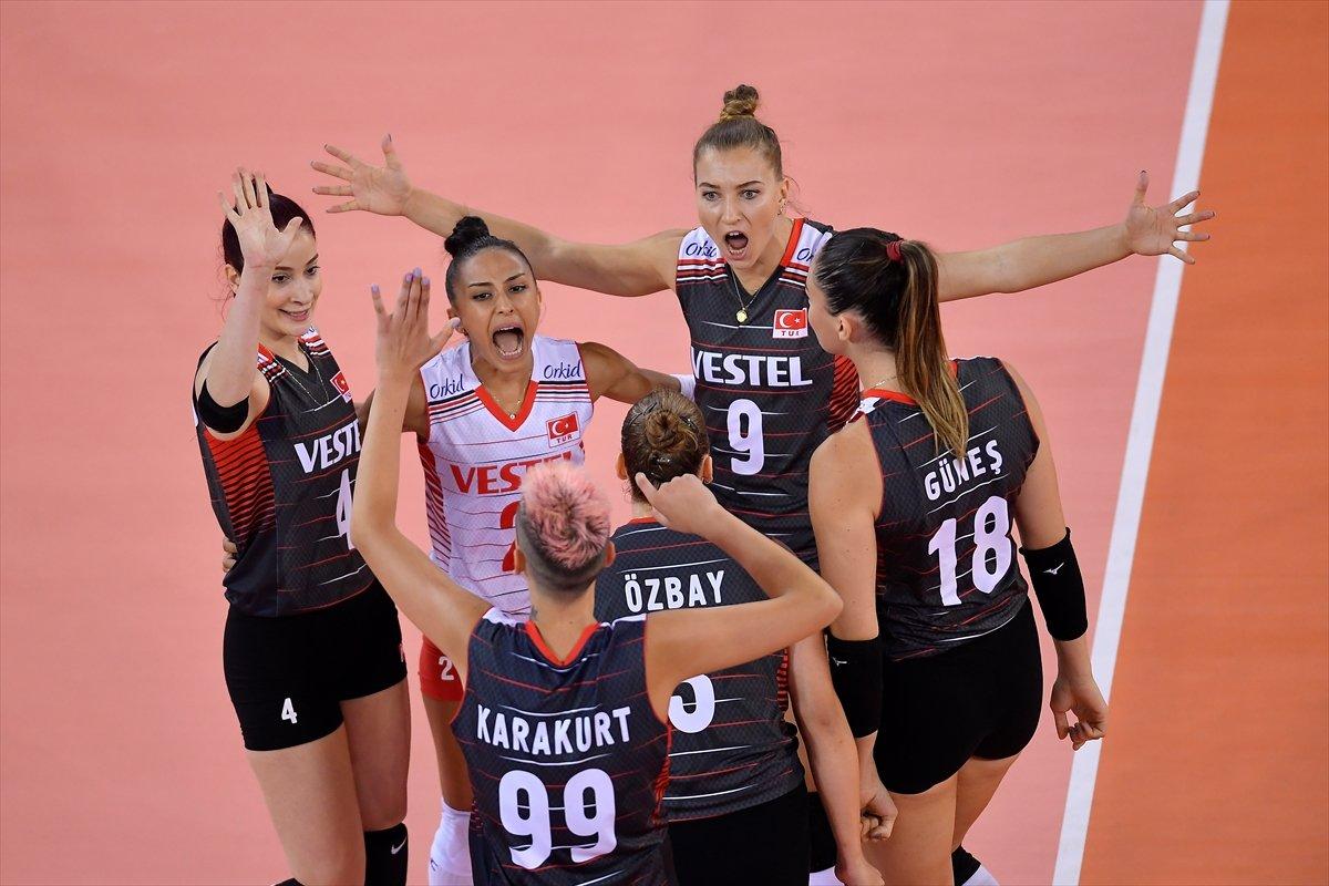 Türkiye Kadın Voleybol Milli Takımı, Avrupa Şampiyonası nda Romanya yı yendi #1
