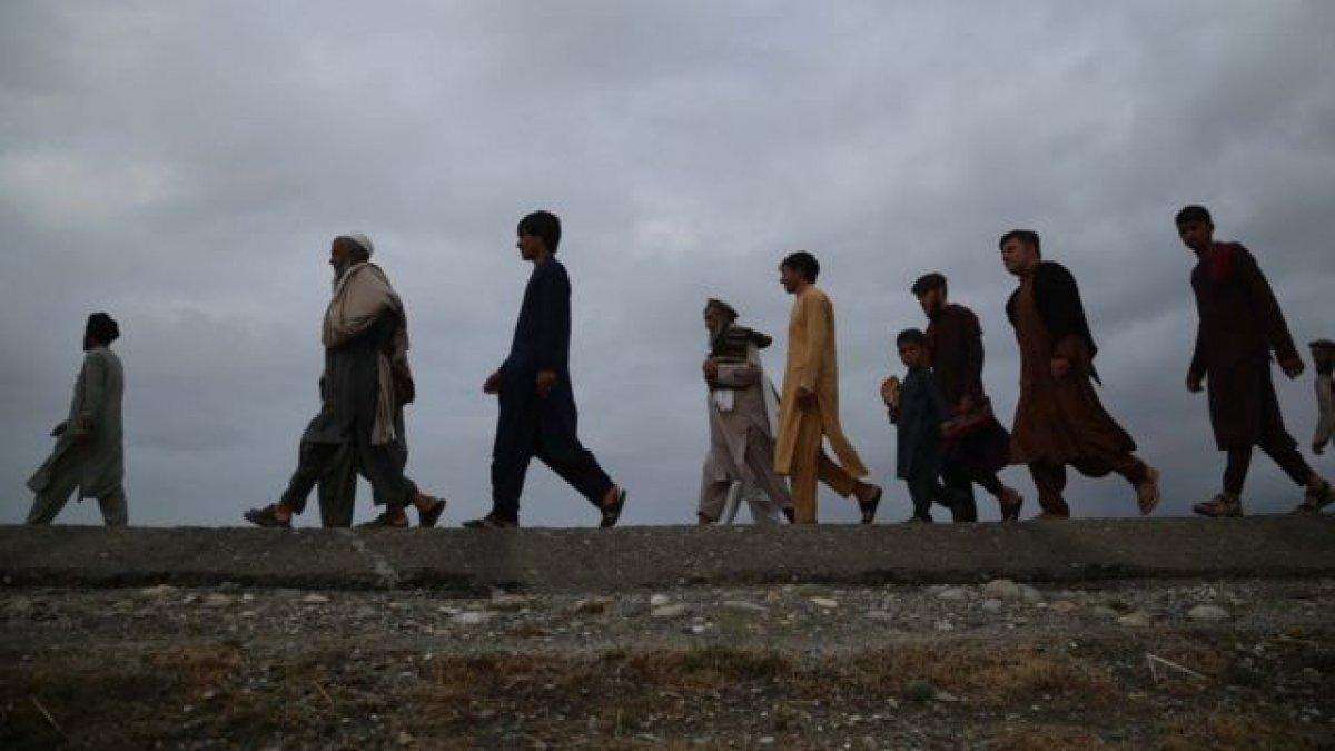 İngiltere 20 bin Afgan ı alacağını açıkladı #1