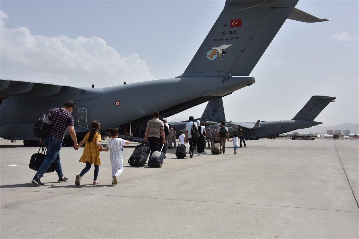 Afganistan da Türk vatandaşların tahliyesi sürüyor #10