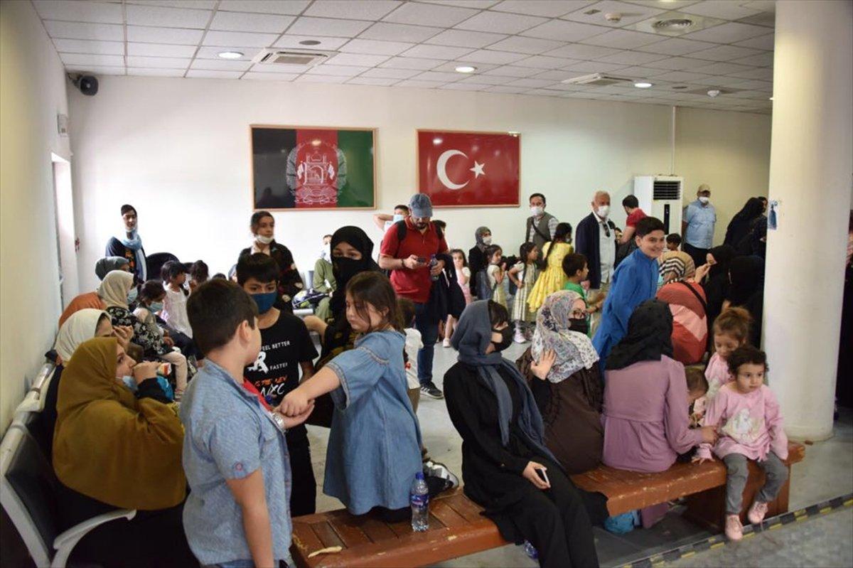 Afganistan da Türk vatandaşların tahliyesi sürüyor #7