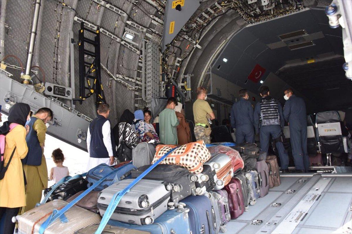 Afganistan da Türk vatandaşların tahliyesi sürüyor #6