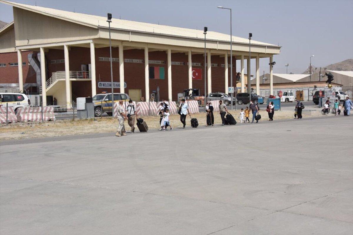 Afganistan da Türk vatandaşların tahliyesi sürüyor #8