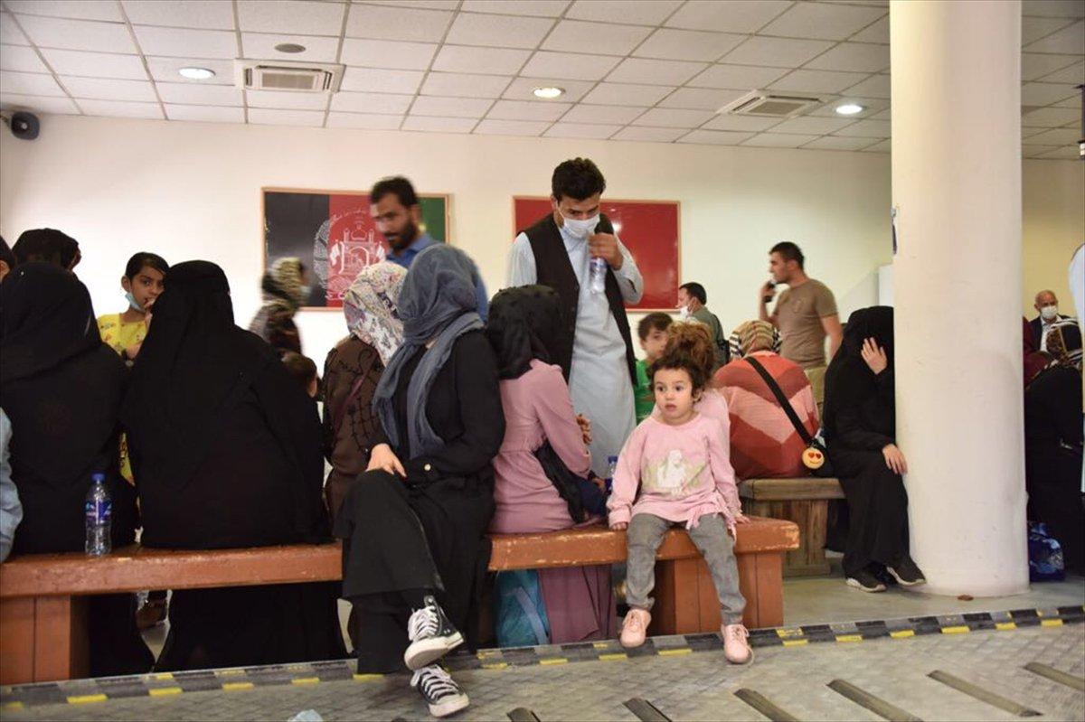 Afganistan da Türk vatandaşların tahliyesi sürüyor #4
