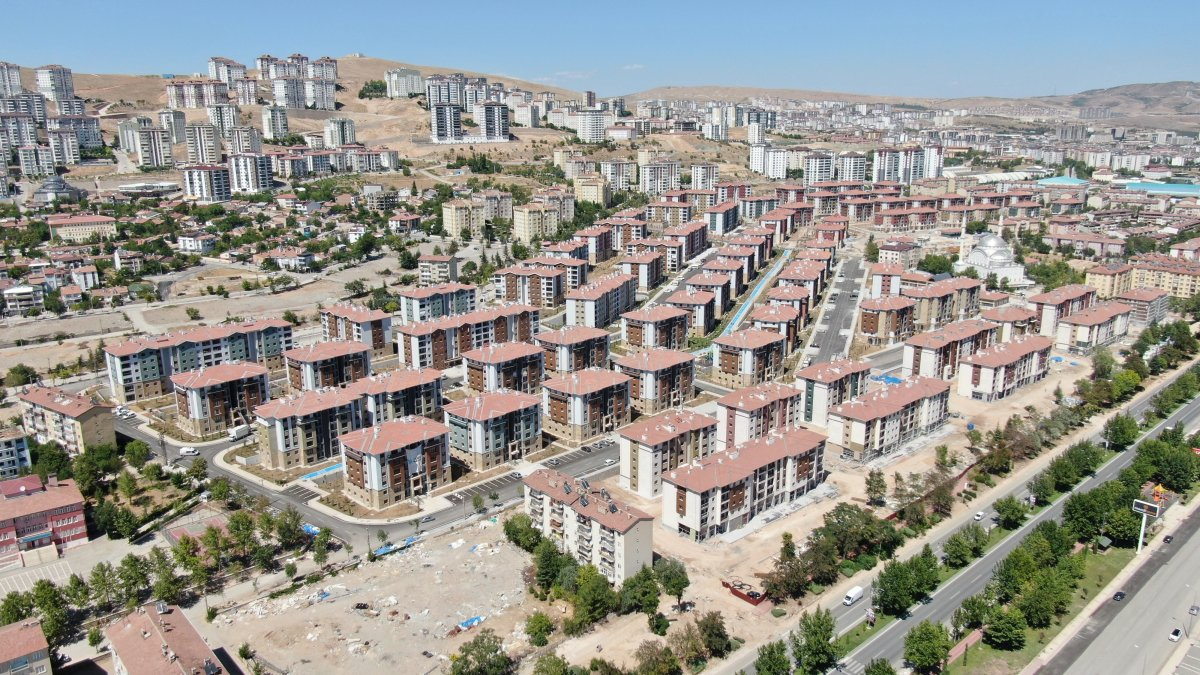 Elazığ'da 24 bin 83 konut inşa edildi  #2