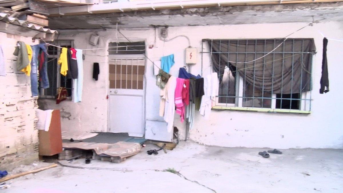 Sultangazi'de kaçak göçmenlerin gecekondusuna operasyon #1