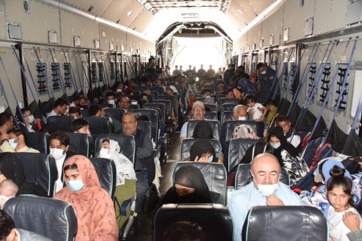 Afganistan da Türk vatandaşların tahliyesi sürüyor #3
