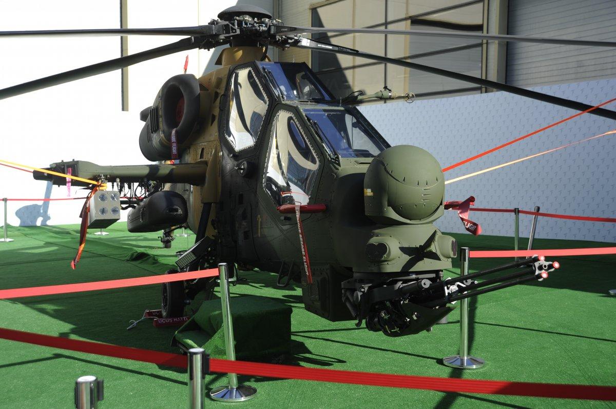 TUSAŞ ın geliştirdiği Milli Muharip Uçak, IDEF te görücüye çıktı #2