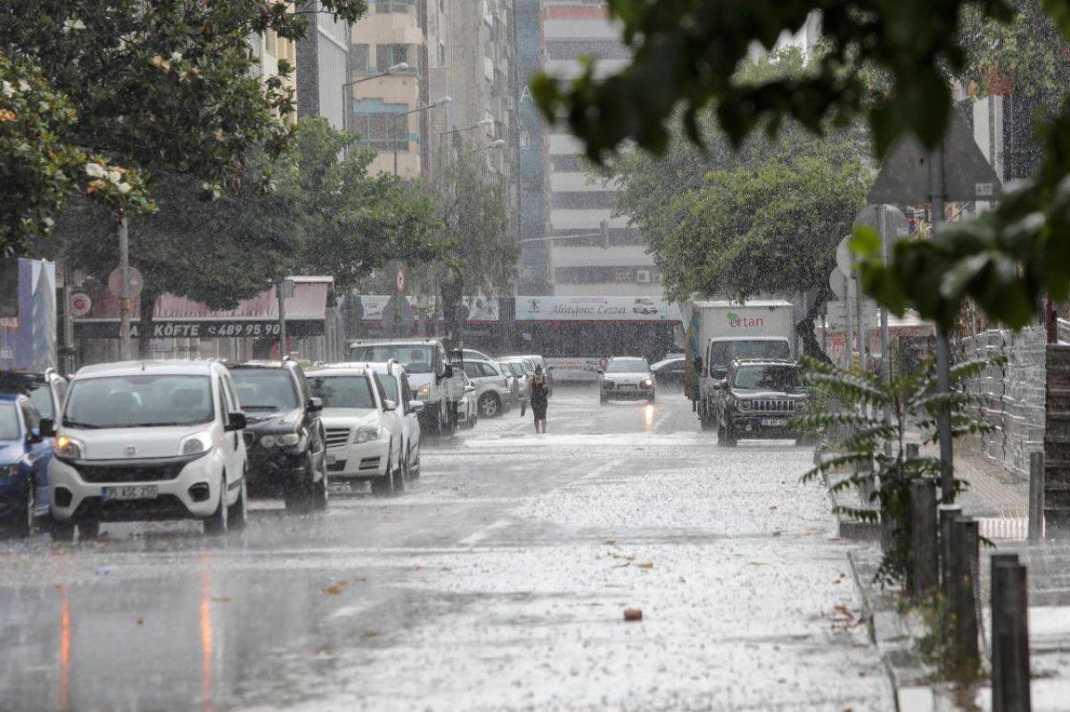 Türkiye, sellere rağmen son 60 yılın en düşük tarım yağışlarını gördü #6