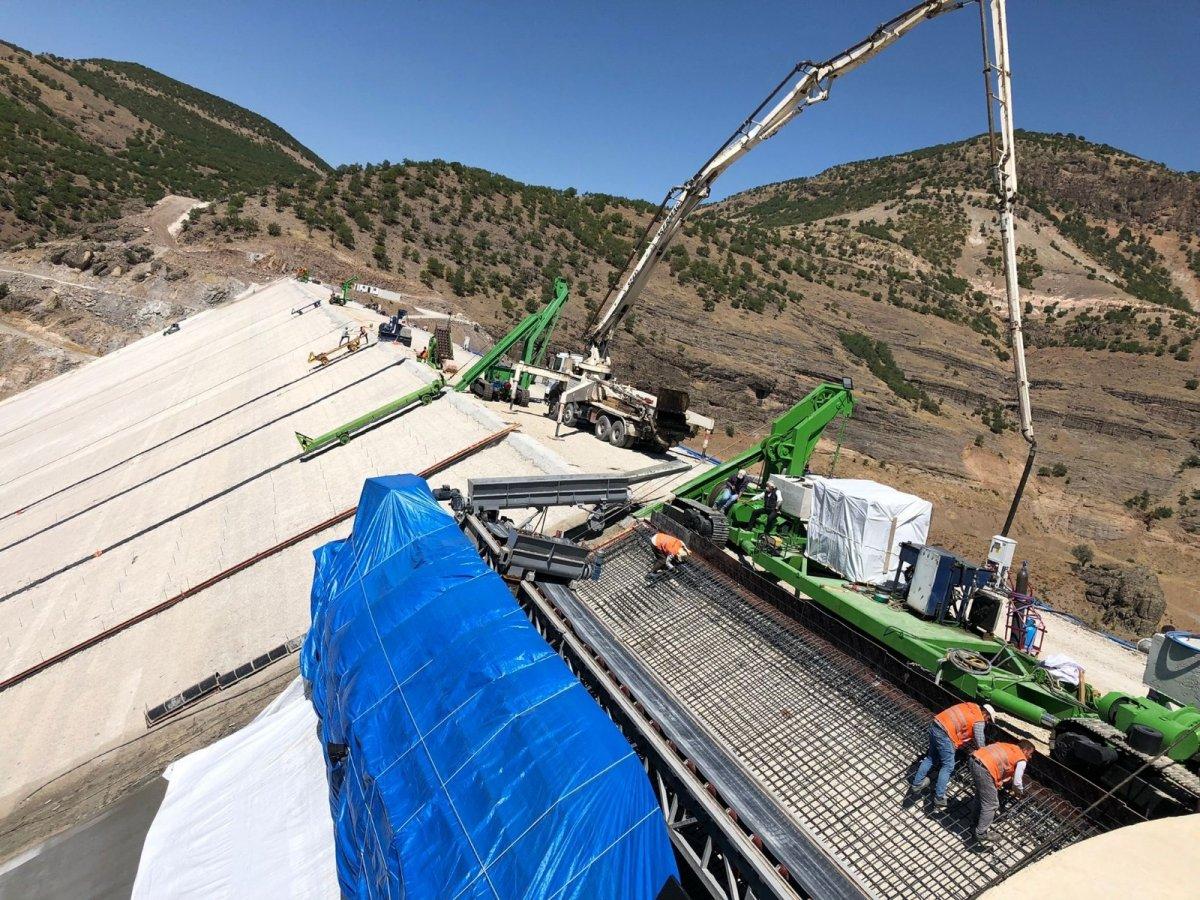 Yoncalı Barajı'nın ön yüz beton imalatına başlandı #2