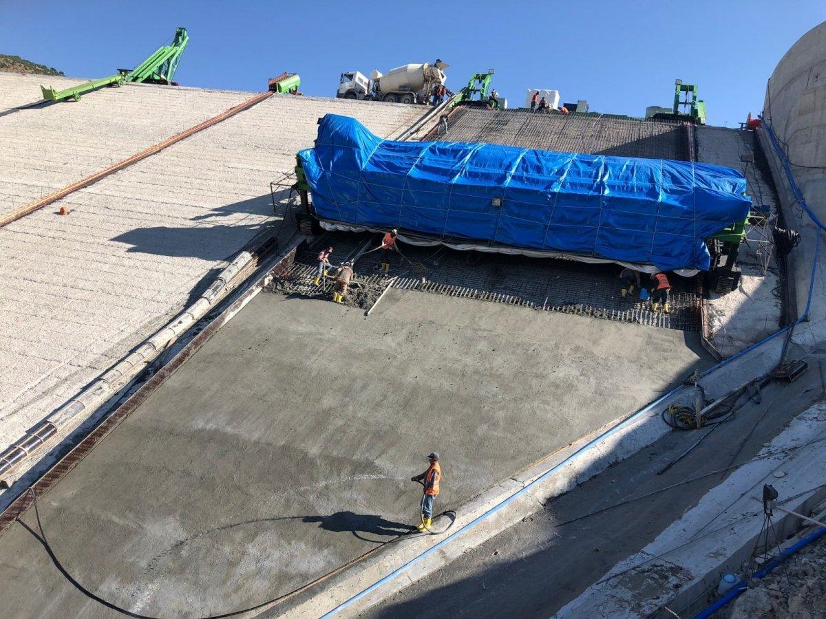 Yoncalı Barajı'nın ön yüz beton imalatına başlandı #3