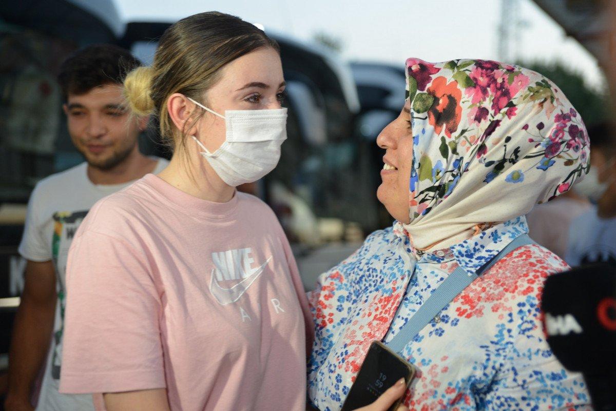 Afganistan da başörtüsü sayesinde hayatları kurtuldu #7