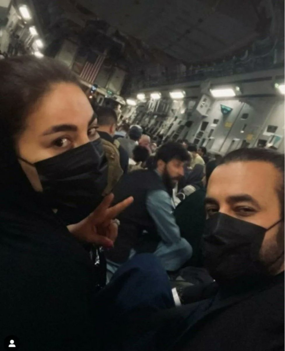 Afgan şarkıcı Aryana Sayeed, Amerikan uçağıyla Türkiye ye geldi #3