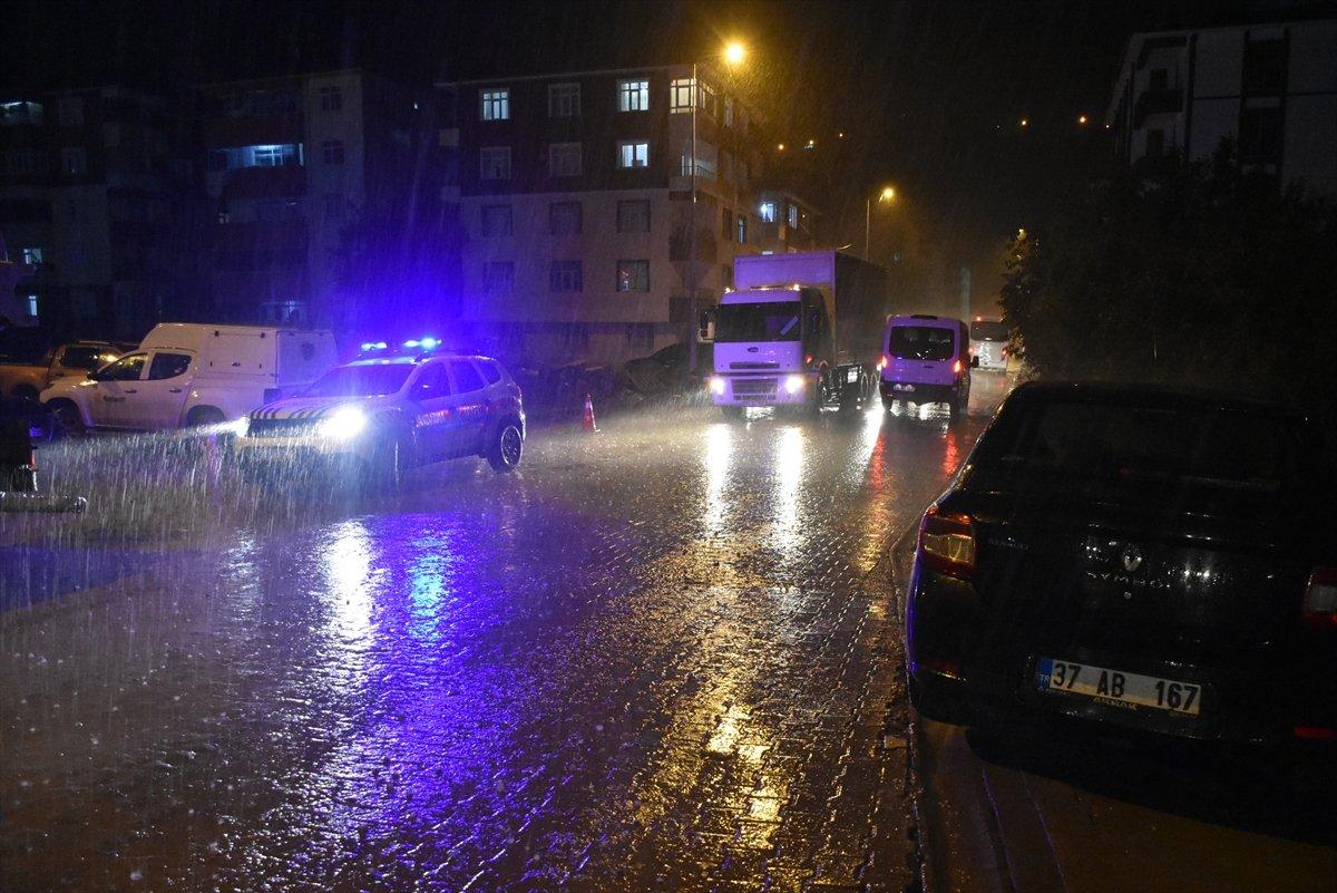 Sel felaketinin yaşandığı Kastamonu Bozkurt ta sağanak yağış  #1