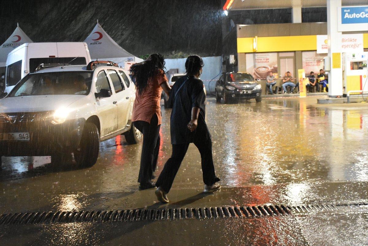 Meteoloroloji den sel bölgesi Sinop a sağanak yağış uyarısı #6