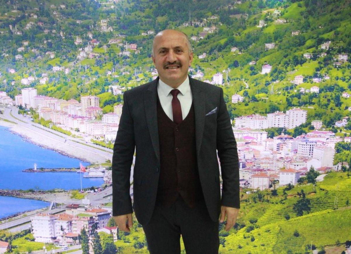 Çayeli Belediye Başkanı, ağabeyini vekaleten belediye başkan yardımcısı atadı #4