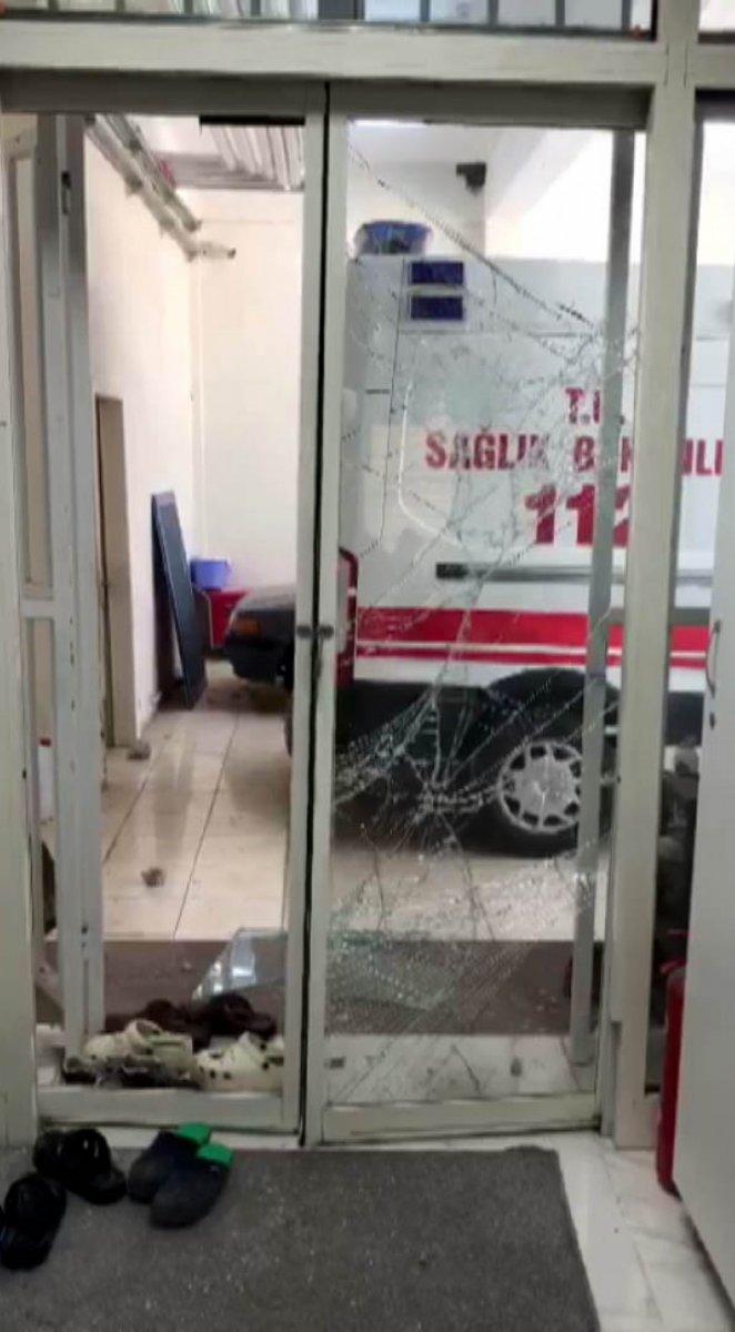 Kahramanmaraş ta diş ağrısı için istediği ambulans gelmeyince saldırdı #7