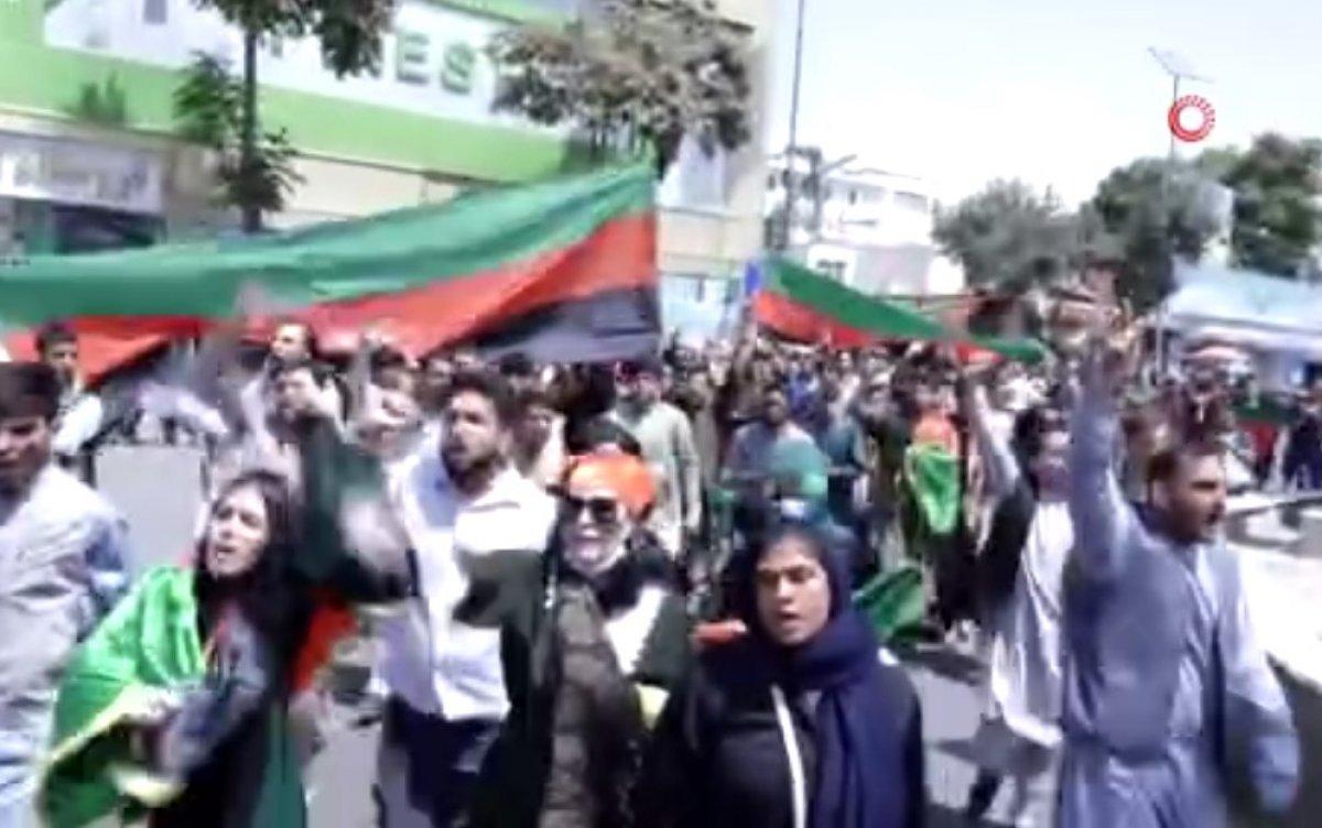 Kabil'deki Bağımsızlık Günü yürüyüşünde silah sesleri #2