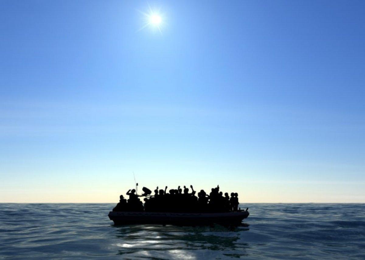 Kanarya Adaları na giden teknede 2 hafta denizde mahsur kalan 47 göçmen öldü #4