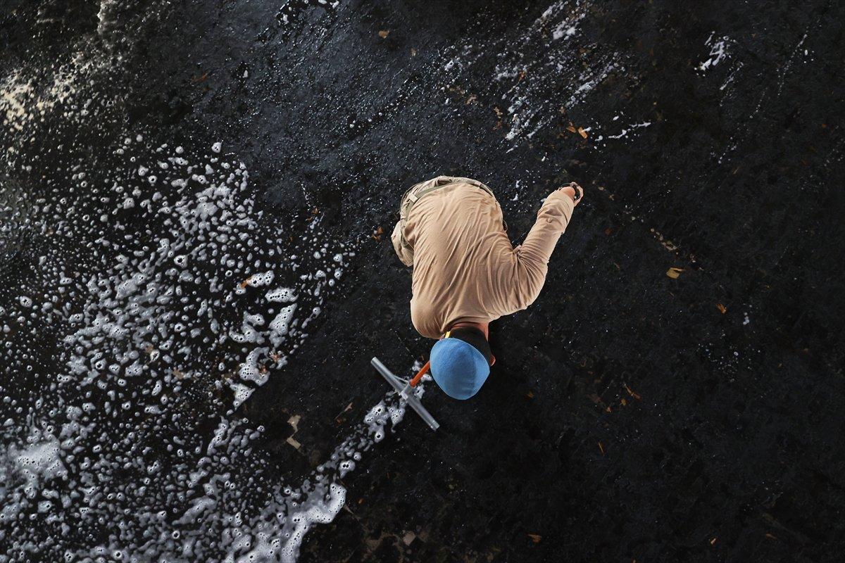 Kastamonu da komandolar, camiyi su ve köpükle yıkadı #2