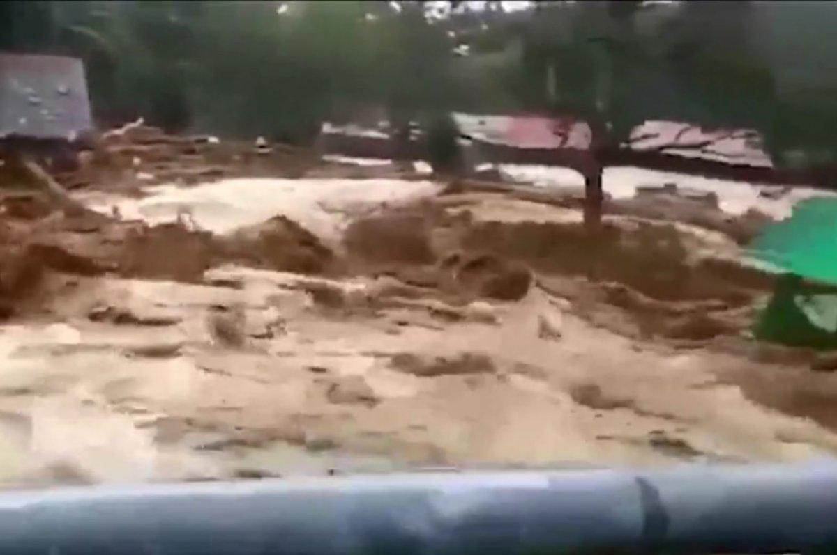 Malezya'nın Kedah eyaleti sele teslim oldu  #6