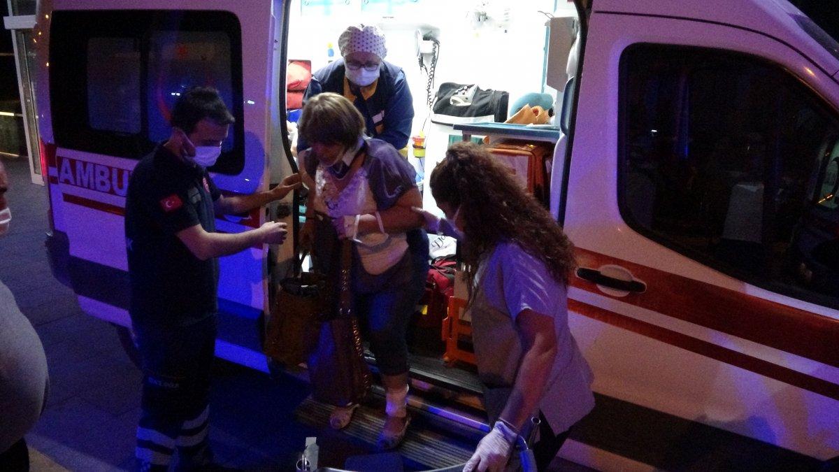 Karabük te minibüs kamyonete çarptı: 7 yaralı #2