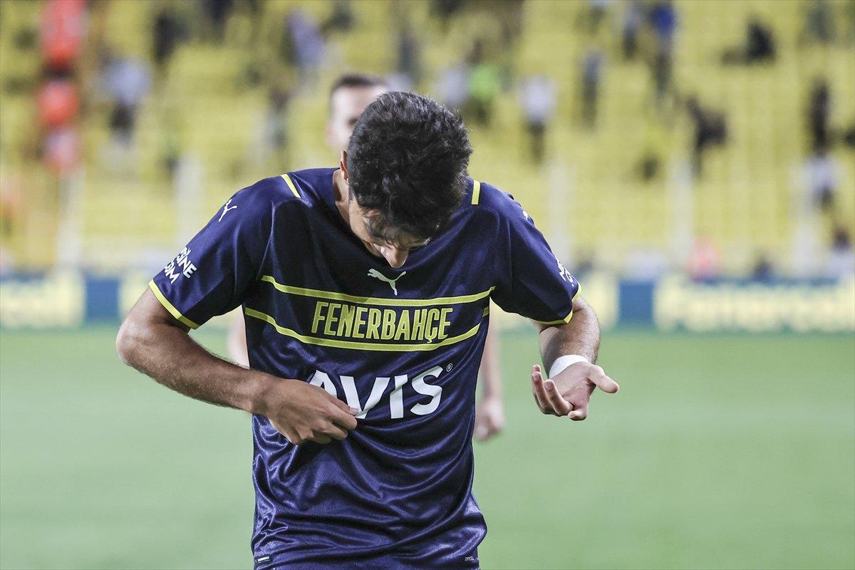 Fenerbahçe nin golünü atan Muhammed Gümüşkaya sevinirken armayı bulamadı #1