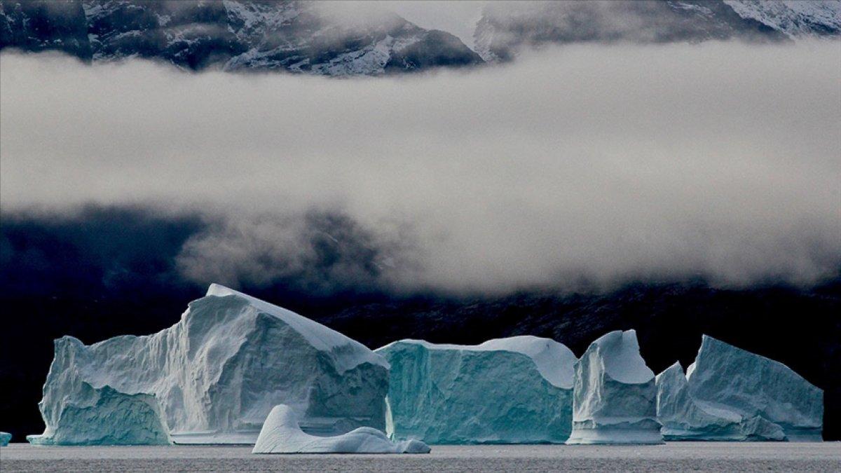 Gröland daki buzulların tepesine ilk defa yağmur yağdı #2