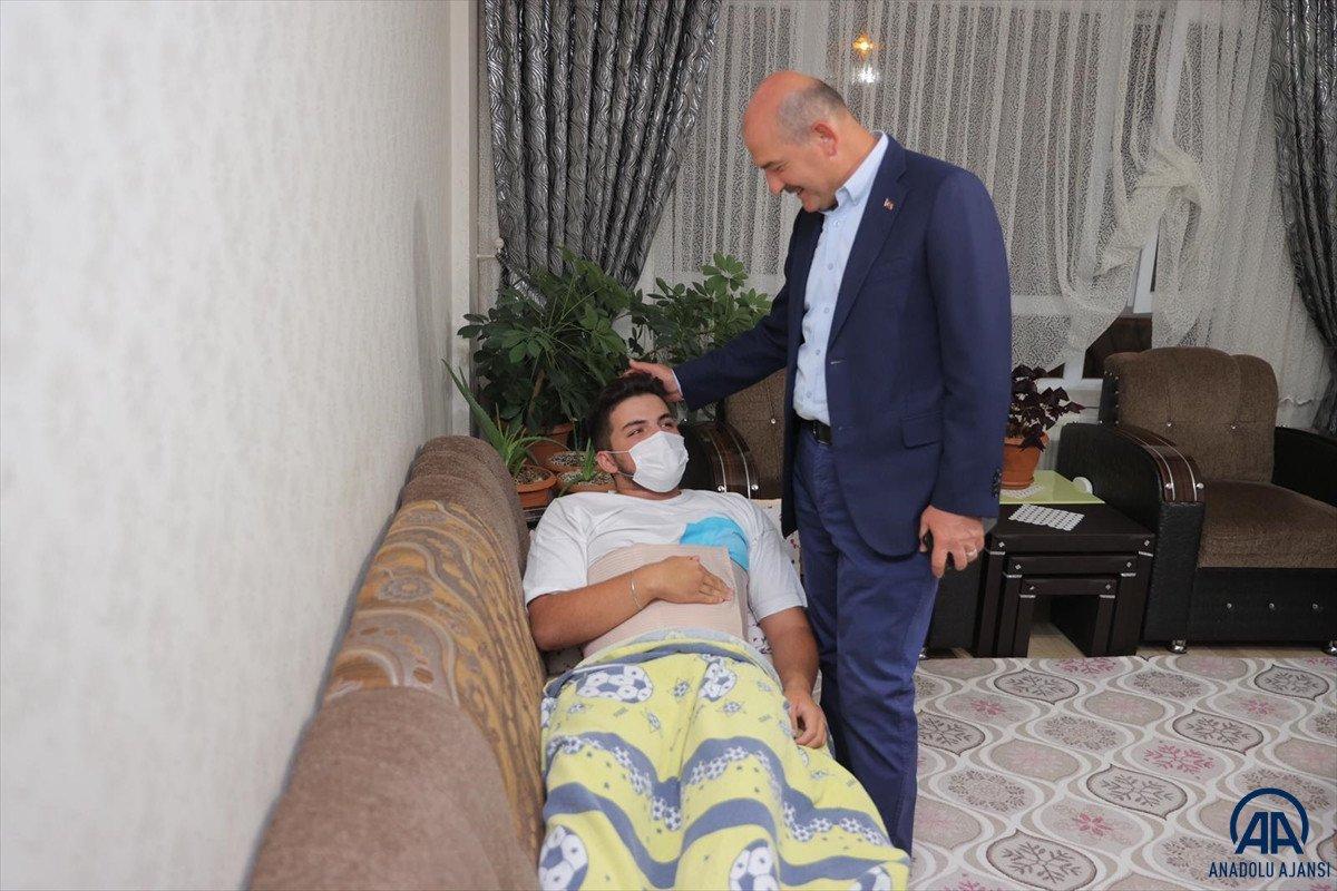 Süleyman Soylu, Emirhan Yalçın ve Ali Yasin Ülger in ailelerini ziyaret etti #4