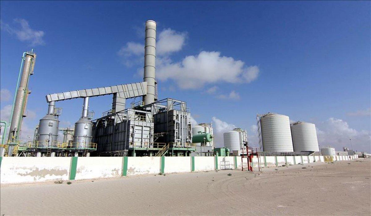 Libya nın petrol gelirleri 2 milyar doları geçti #1