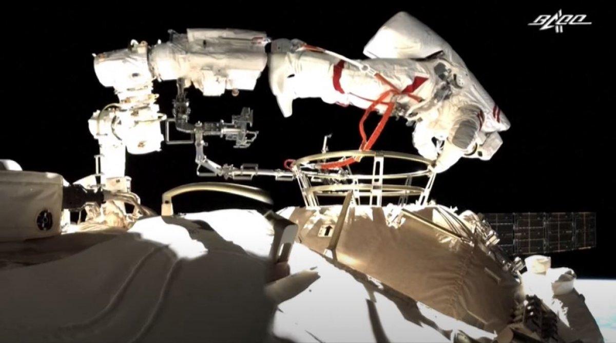 Çinli astronotlar, ikinci kez uzay yürüyüşünde #2