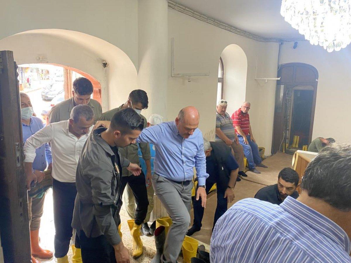 Kastamonu da sel felaketi sonrası ilk cuma namazı kılındı  #6