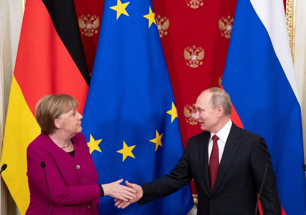 Angela Merkel den Vladimir Putin e veda ziyareti #1